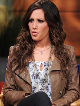 Ashley_Tisdale_Jacket-600x800