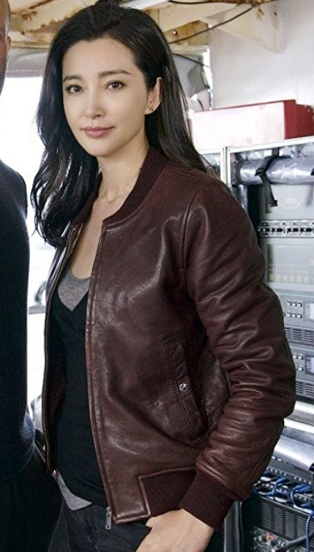 Bingbing-Li-The-Meg-Suyin-Brown-Jacket